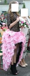 Продам выпускное платье c перьями.
