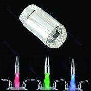 Світлодіодна насадка-змішувач на кран водопровідної води.