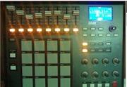 Миди контроллер Akai MPD32
