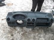 Внутрішні компоненти кузова    Renault Kangoo