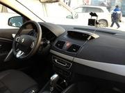 Внутрішні компоненти кузова Renault Fluence