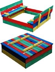 Песочница деревянная,  цветная с лавкой-крышей