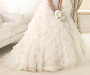 Весільна сукня шукає чарівну власницю