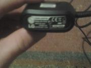 продам 2 зарядки для м/т LG