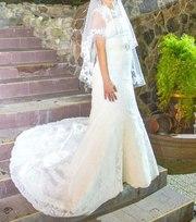 Продаю шикарне щасливе  весільне плаття на тендітну наречену.