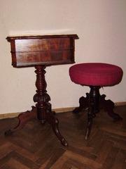 Продам тумбочку для швейных принадлежностей  cо стулом  антикварную