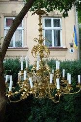 Куплю люстру бронзовую,  хрустальную,  с элементами майолики или фарфоро