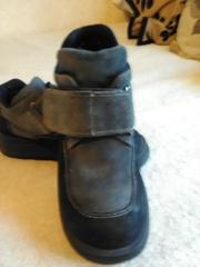 Продаю ботинки натуральная замша 38 размер