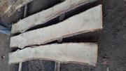 Дошка дубова,  не обрізна,  суха 8-12% вологості,  камерної сушки