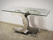 Дніпро дзеркальні меблі ідеально личать для того,  щоб полегшити прості