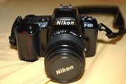 Nikon D2Xs Digital SLR Camera (Body Only)
